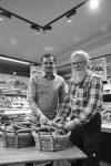 Georg Kaiser und Karl Georg Zielke freuen sich über die große Bio-Nachfrage. Sie würden gerne noch mehr regionales Gemüse anbieten.